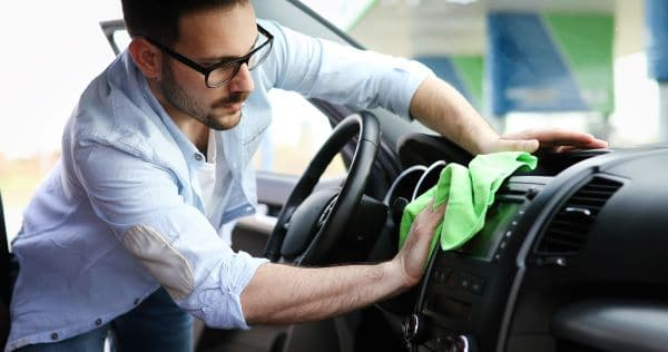 5 Tips to Keep Your Car Interior Clean